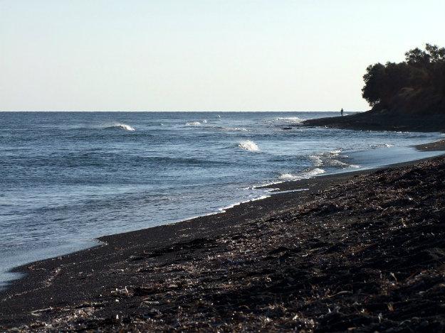 damus-beach-haunted