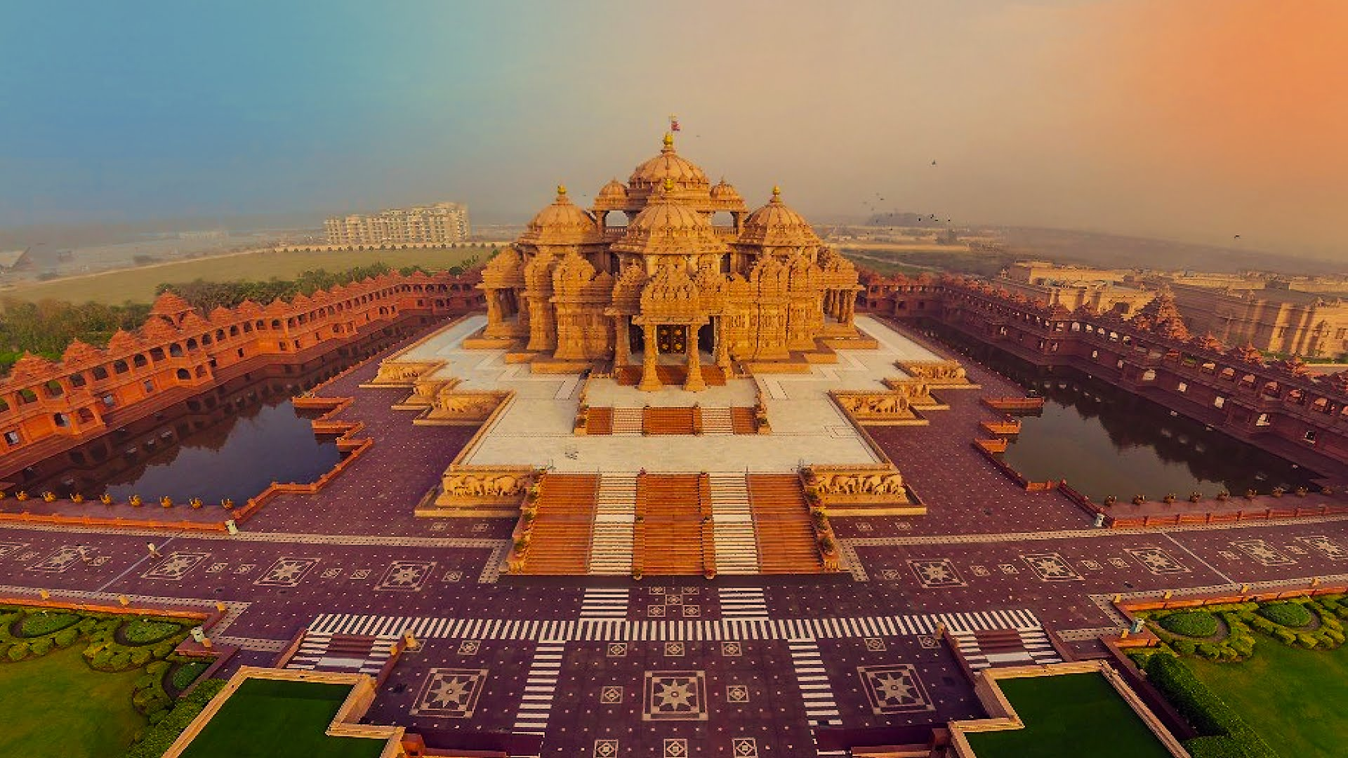 Akshardham all about india about the full name of akshardham is swaminarayan akshardham complex and it is one of the most popular temples in india which is the major source of altavistaventures Gallery